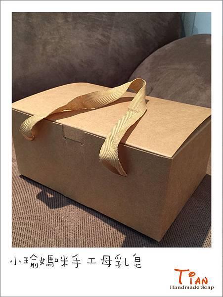1040225 小瑜媽咪手工母乳皂包裝2.jpg