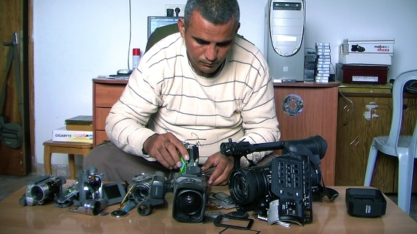 nEO_IMG_Emad and the 5 cams