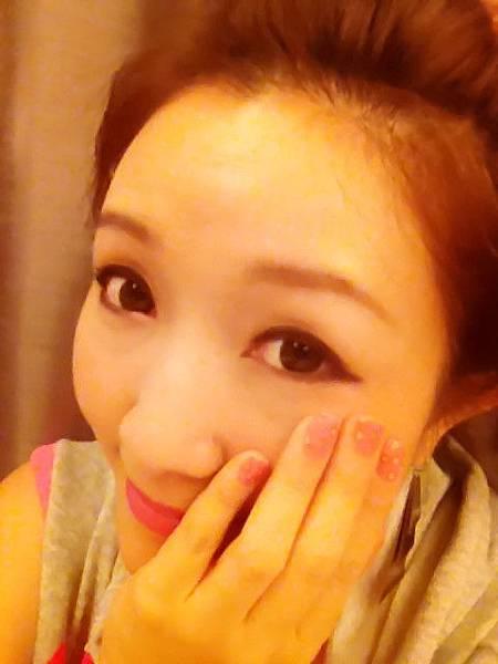 Pink leo nail 16