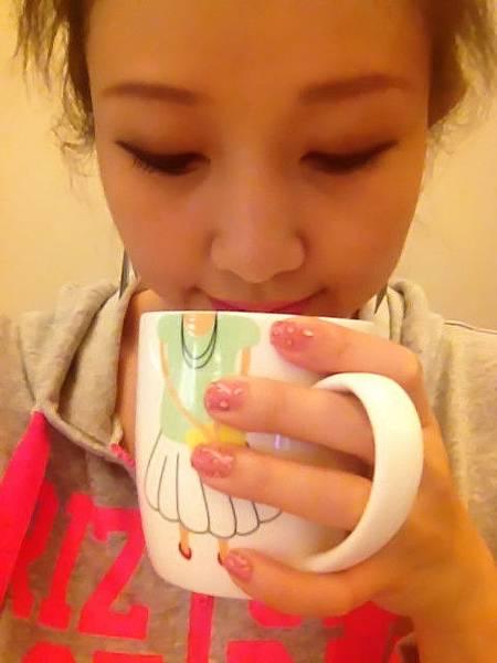 Pink leo nail 21