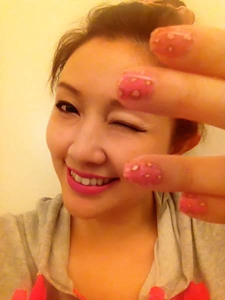 Pink leo nail 25