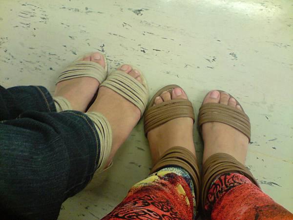 一樣鞋鞋耶