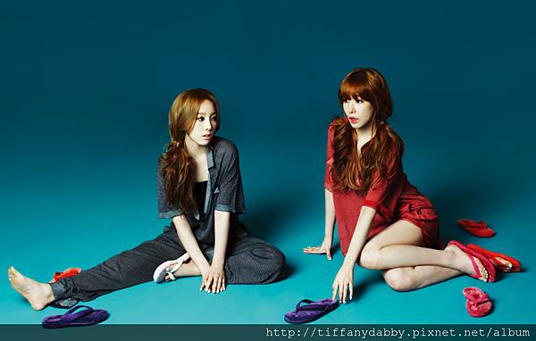 Taeyeon-Tiffany-High-Cut-Magazine-s-E2-99-A5neism-30840439-1460-928