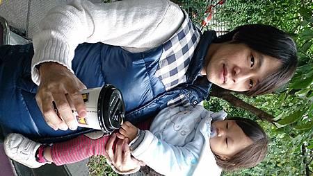 2014.12.14。(3歲3個月又5天)(1歲5個月又22天)。宜蘭冬山宜農牧羊場-42
