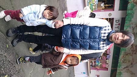 2014.12.14。(3歲3個月又5天)(1歲5個月又22天)。宜蘭冬山宜農牧羊場-9