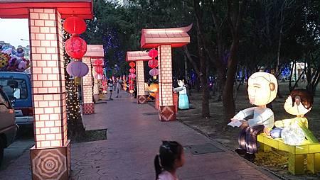 2015.10.25。(4歲1個月又16天)(2歲4個月又3天)。竹北體育館客家文化嘉年華會-42