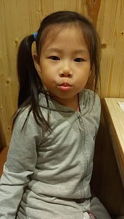 2017.09.10。(6歲又1天)(4歲2個月又19天)。新竹上禾烤肉火鍋吃到飽-12