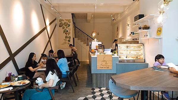 2020.08.29。(8歲11月又20天)。(7歲2個月又7天)。新竹竹北Faith in  Faith飛一啡Cafe-2.jpg