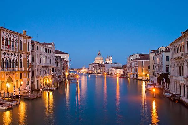 威尼斯的小艇 课文图片02_7290