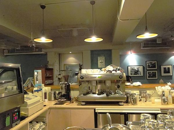 朵兒-吧台義式咖啡機(亮度對比只調整深暗色彩+40).JPG