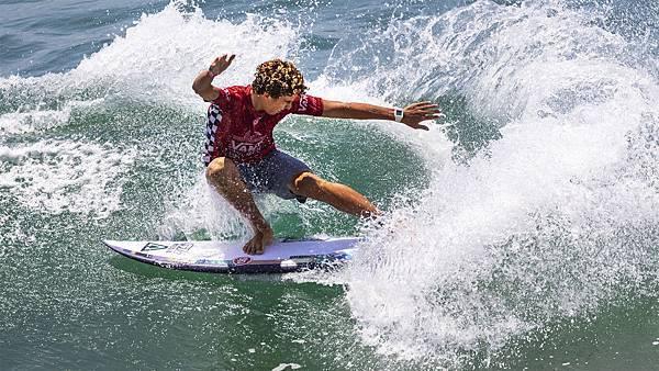 Brave surfer.jpg