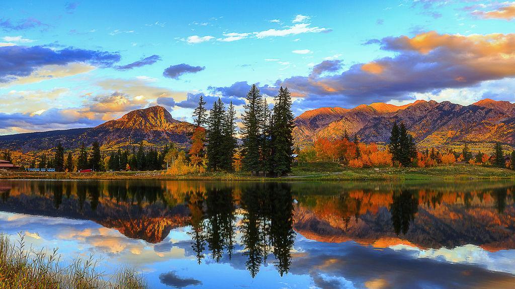 Lake light reflects the sunset