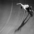 201909新加坡黑白開放組~Racer on skateboard.jpg