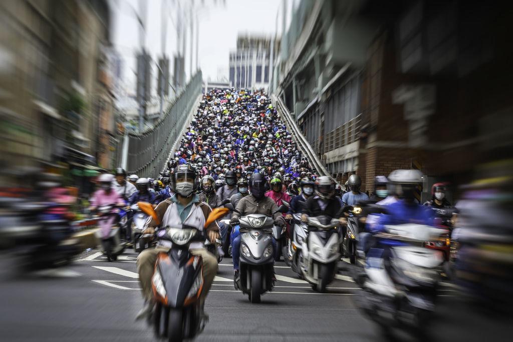 20200520台北橋機車潮_1477-1.jpg