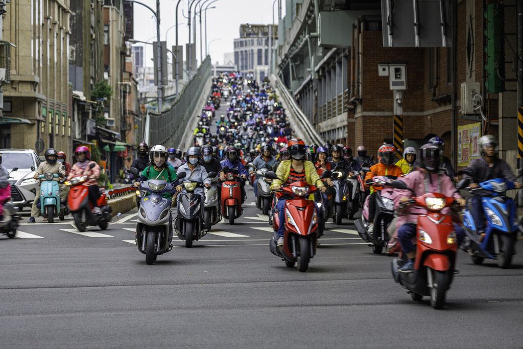 20200520台北橋機車潮_1357-1.jpg
