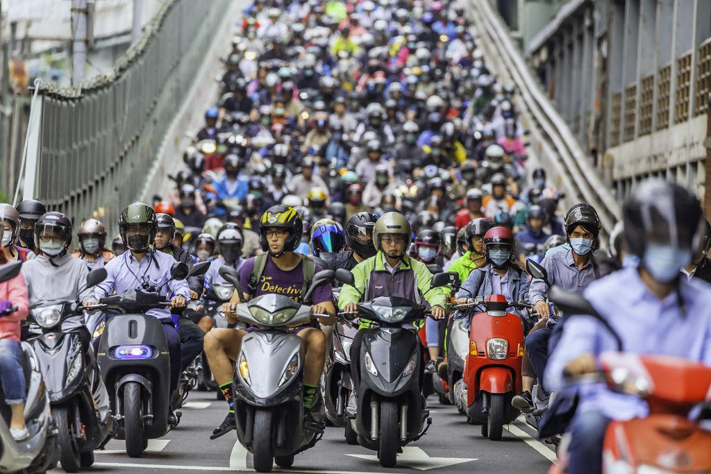 20200520台北橋機車潮_1646-1.jpg