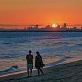 20210717Seal Beach Sunset And Tourists_8936-1.jpg