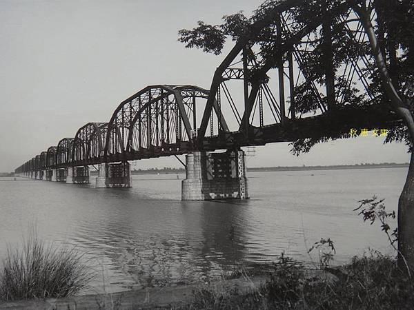 日本十大鉄橋中最長的台灣下淡水溪橋99