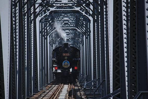 下承式曲弦桁樑(花樑鋼橋)(大安溪鐵橋) (26).JPG