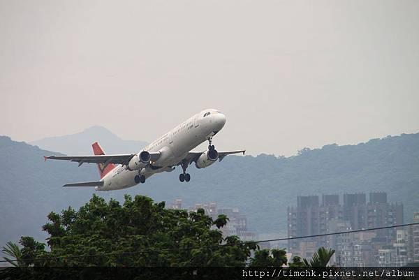 復興A-321 B-22601看東西彩繪機-2
