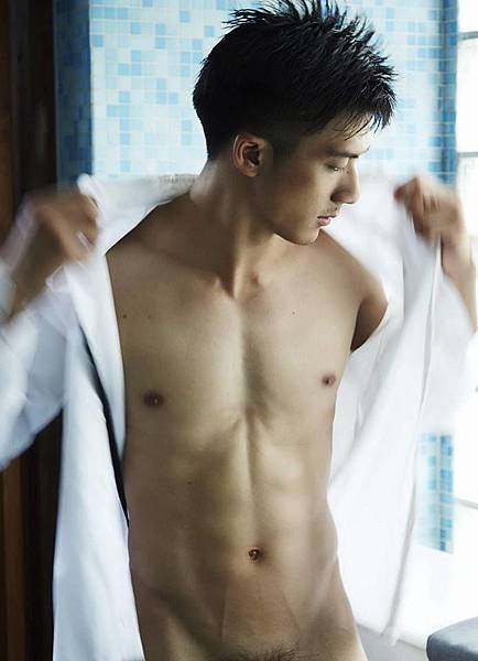 [男模拍照]泰国男模Iknotus 亲身示範如何不张扬的卖弄性感 全见无码更新版登场