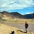 雅魯藏布江畔