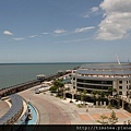 飯店陽台看淡水河