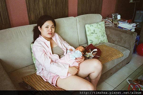 明侑與媽媽