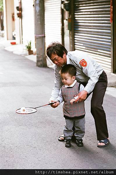 外婆家   學打羽毛球