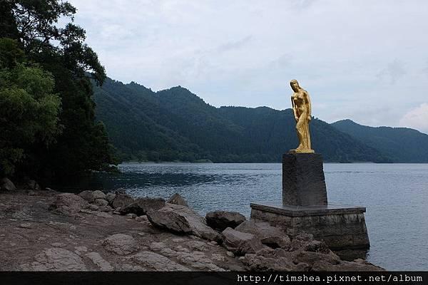 田澤湖 乙女銅像