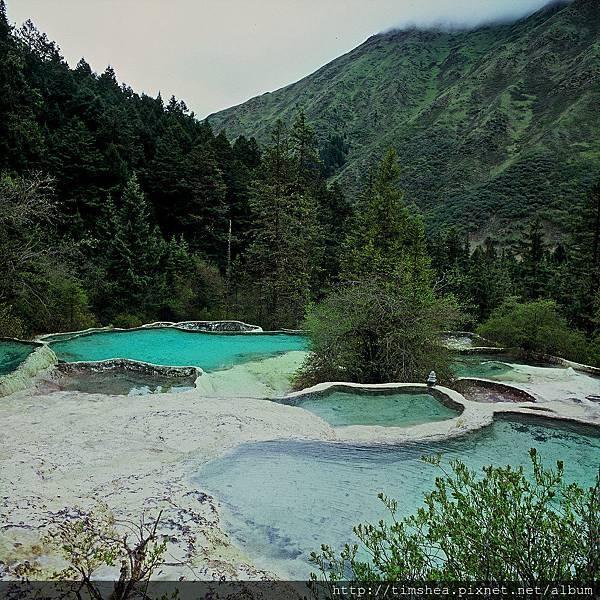黃龍  爭豔彩池