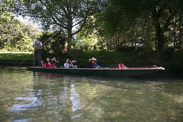 雅芳河  乘船