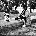玩機器人的阿婆