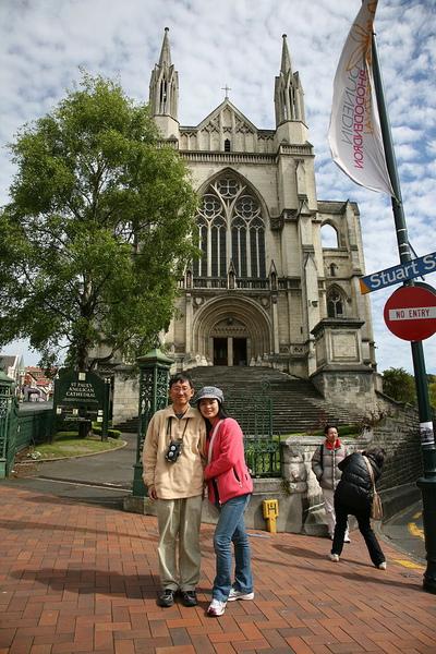 但尼丁 八角廣場前的教堂