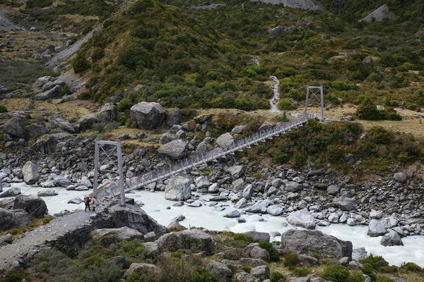 庫克山脈  第一座橋