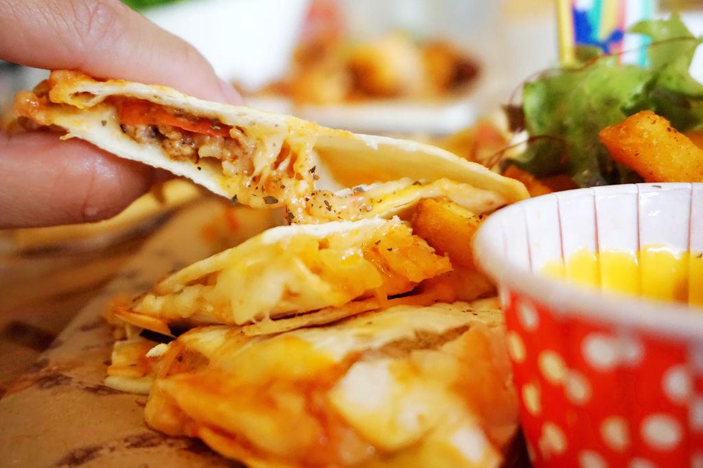 起司泡菜墨西哥烤餅3.jpg