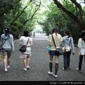 往熱田神宮前進