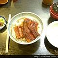 小碗的鰻魚飯