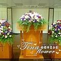教堂婚禮佈置(10).JPG