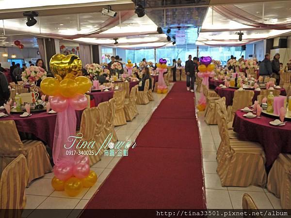 客滿滿餐廳婚禮佈置 (7).JPG
