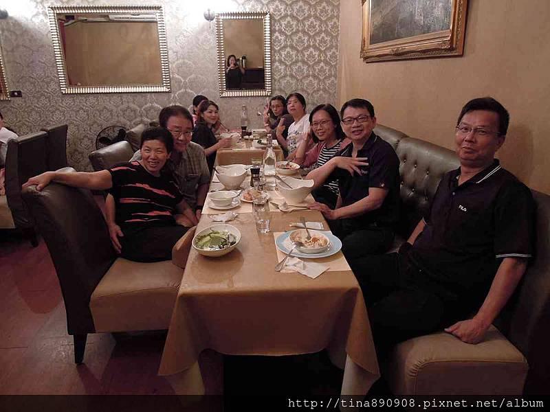 1051115-皮耶諾部門聚餐 (38).jpg