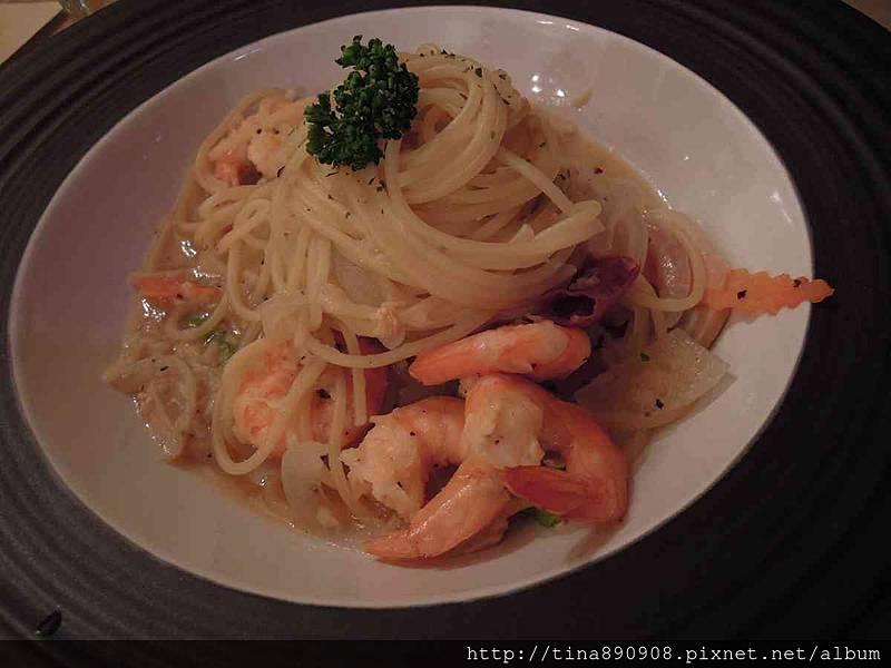 1051115-皮耶諾部門聚餐 (50)-蒜香鮮蝦義大利麵.jpg