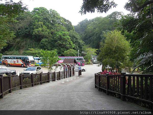 1051021-SS員旅-淡水線-DAY1-2-心鮮森林莊園 (2)-入口處.jpg