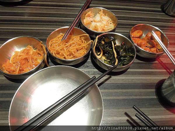 1051220-宮韓式料理 (16)-小菜.jpg
