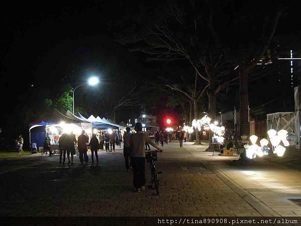 1060203-台東3天2夜-DAY1-8-鐵花村夜間市集 (5).jpg