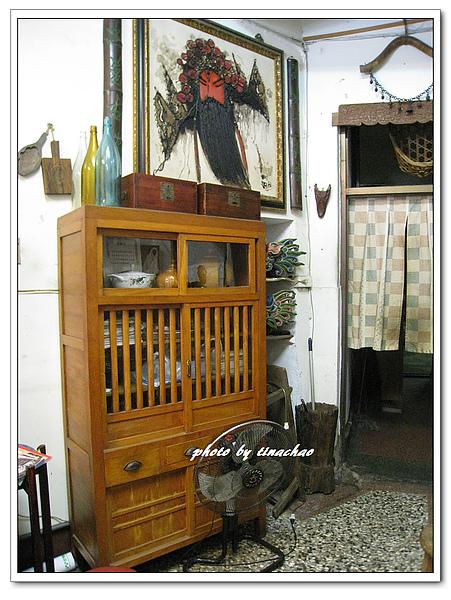 早期的碗櫥.jpg