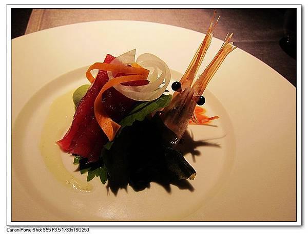 築地急送牡丹蝦與鮪魚刺身配洋山葵風味醬.JPG