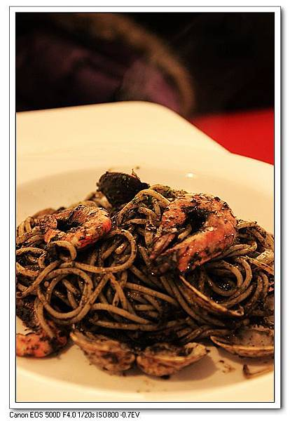 IMG_0287海鮮墨魚黑醬義大利麵(小)NT150.jpg