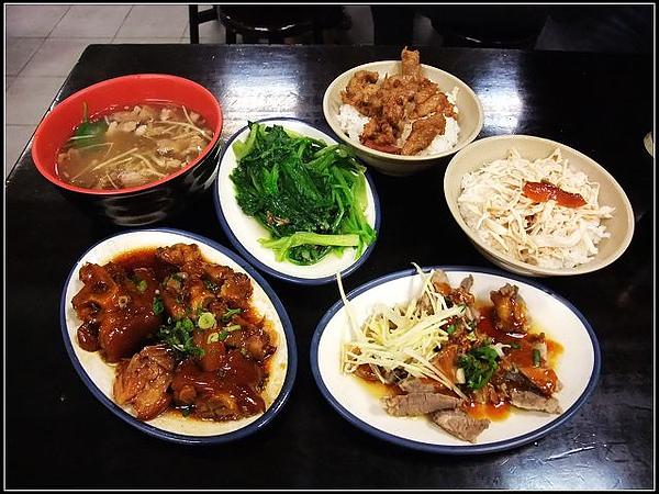 滿滿一桌的菜只要NT230