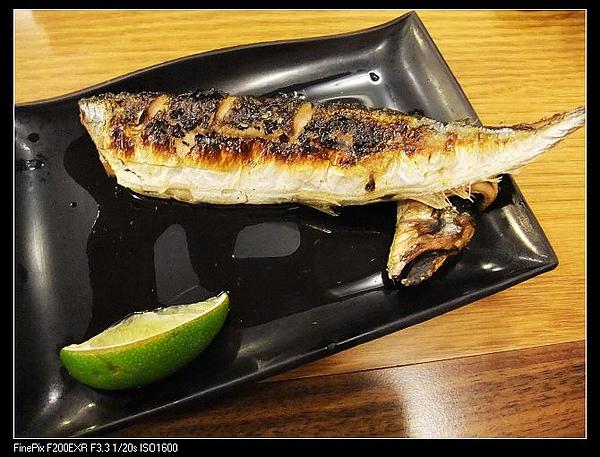 烤秋刀魚NT$90